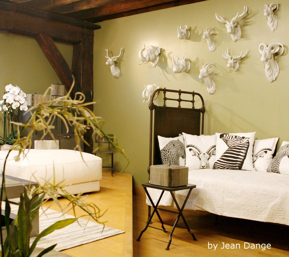jean dange safary safari. Black Bedroom Furniture Sets. Home Design Ideas