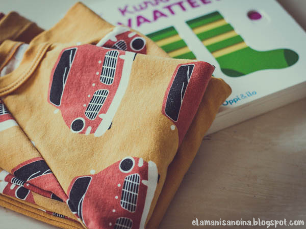 Paapii vintage autot, Oppi ja ilo Kurkkaa vaatteet, yöpuku