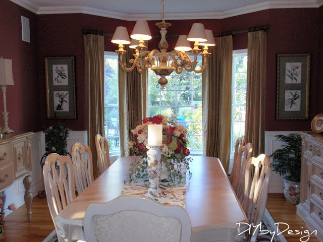 PA020491 Colonial style home decor home tour