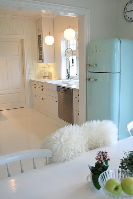 Seaseight Design Blog: READER REQUEST // TEENY-TINY APARTMENT part 2
