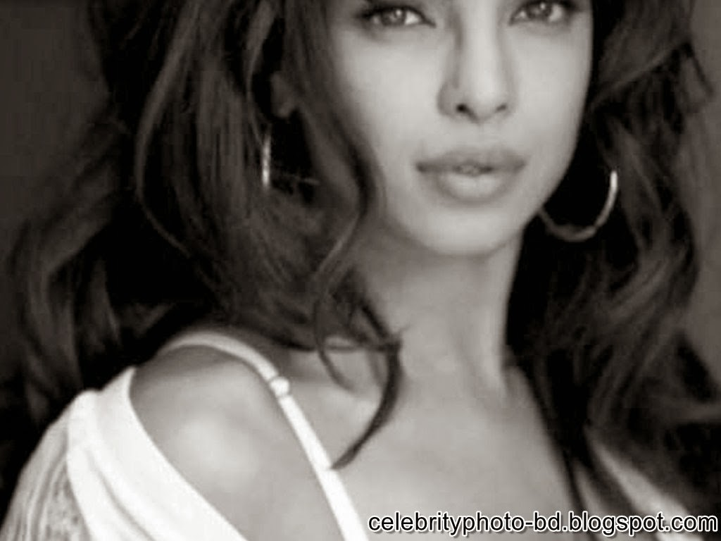priyanka+chopra+latest+guess+ad+photoshoot+photos004