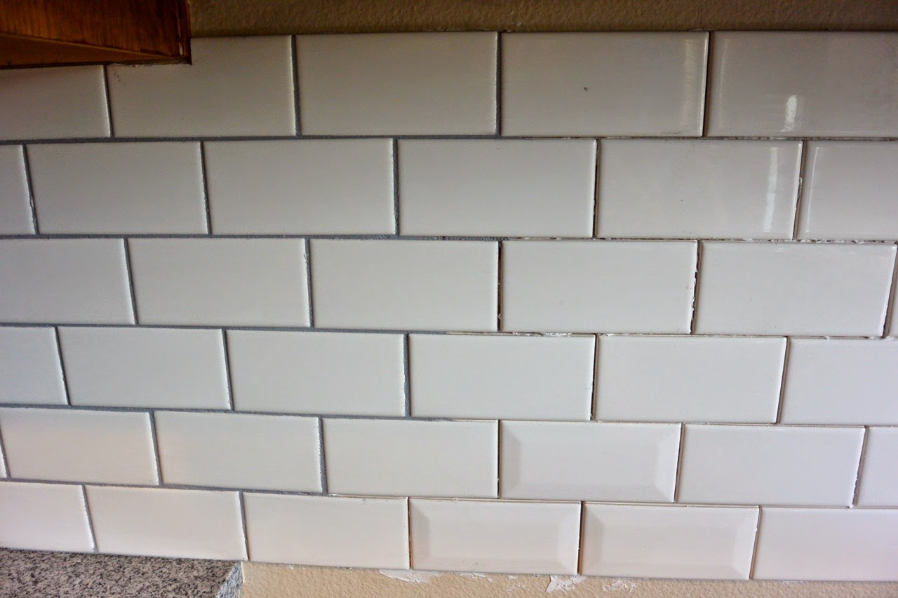 Mixin 39 mom diy kitchen re do with subway tile backsplash for Kitchen without tiles