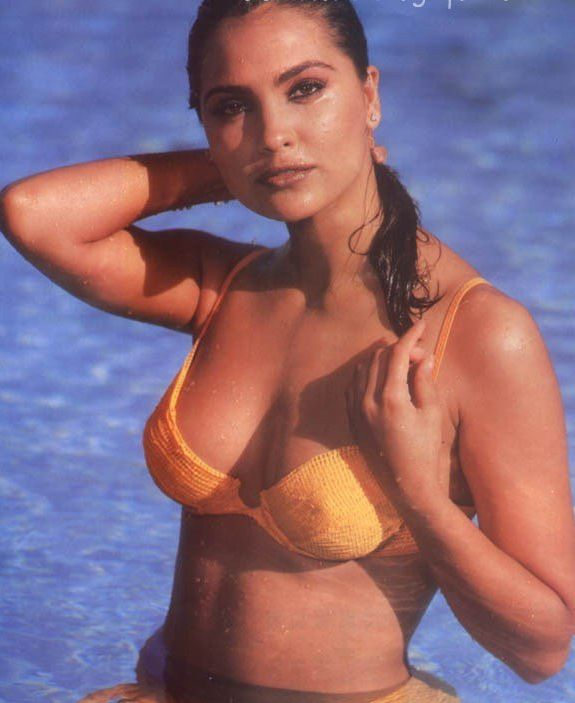 Facebook Labels Cute Lara Dutta Pics Hot Bikini