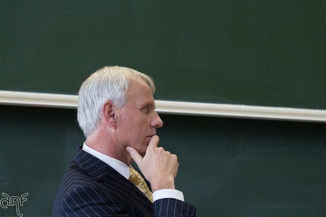 Prof Dr C. van der Kooi