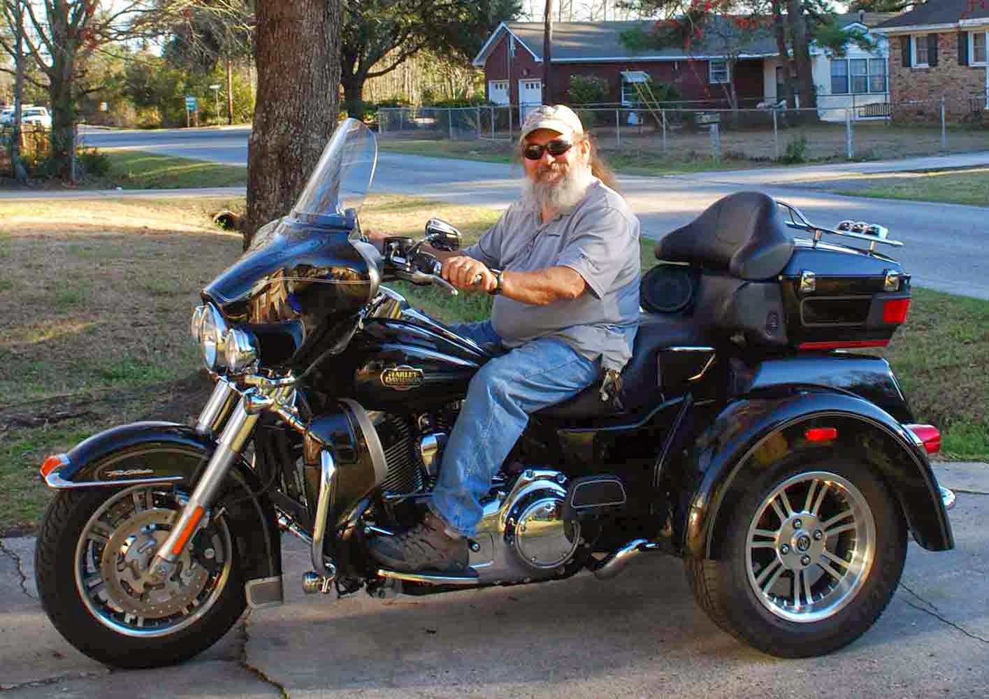 Elaine Magliacane Journal: Harley Tri-Glide Ultra Classic