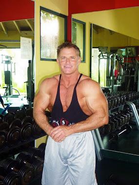 Shawn Rene's Dad! Family Workout in Aruba!