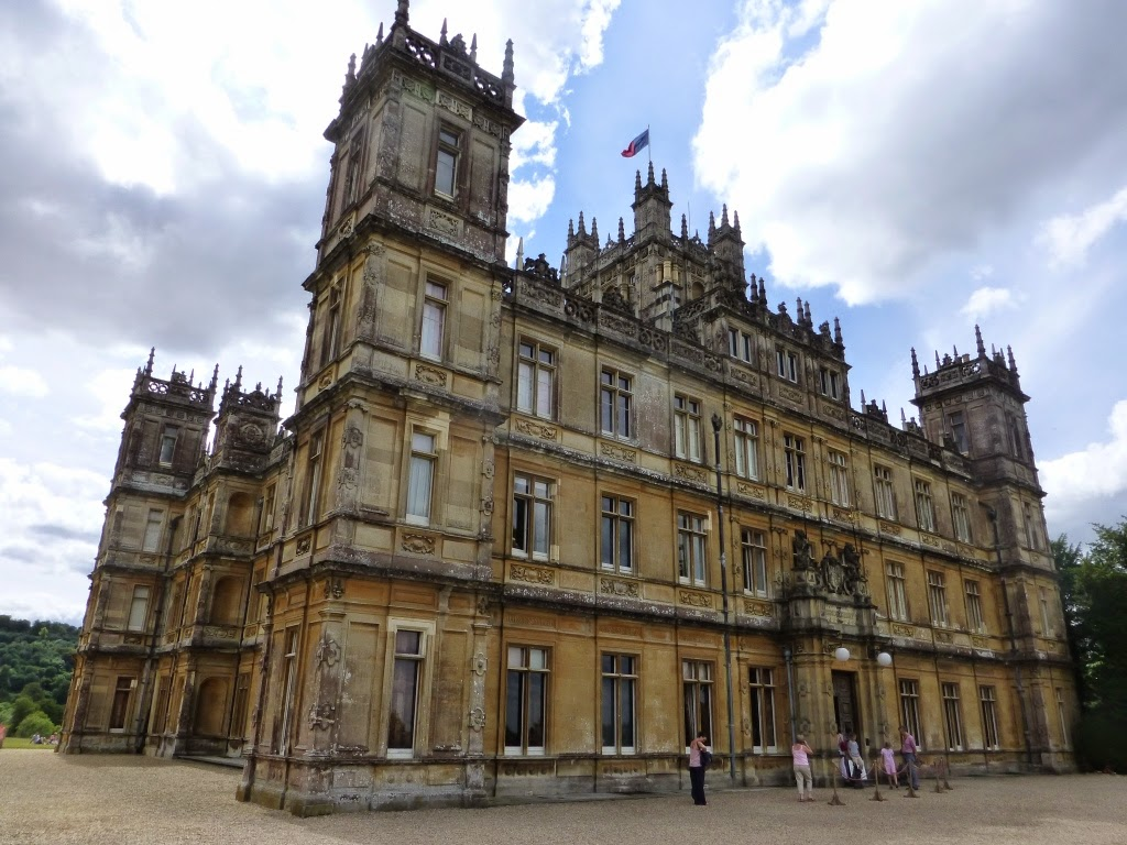 a journey to downton abbey 2012 christmas special, also known as a journey to the highlands, is the special episode for series 3 this episode is set in september 1921 downton abbey wiki is a fandom tv community content is available under cc-by-sa.