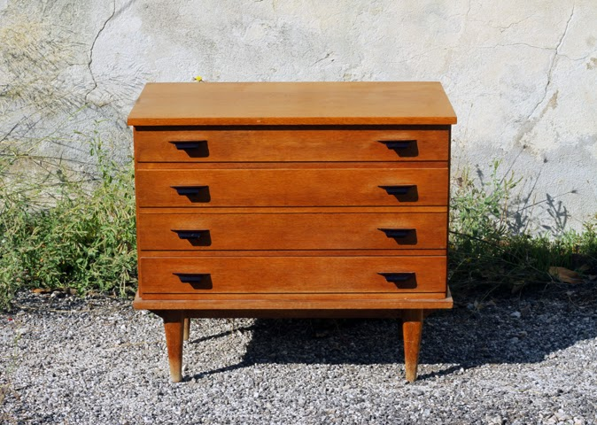 chicbaazar objets vintage 50 60 70 commode ann es 50 60 miel blond. Black Bedroom Furniture Sets. Home Design Ideas