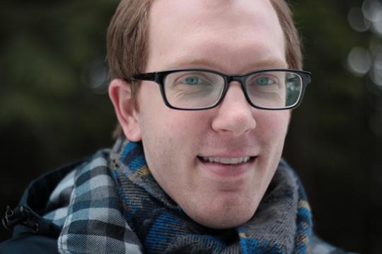 male blogger