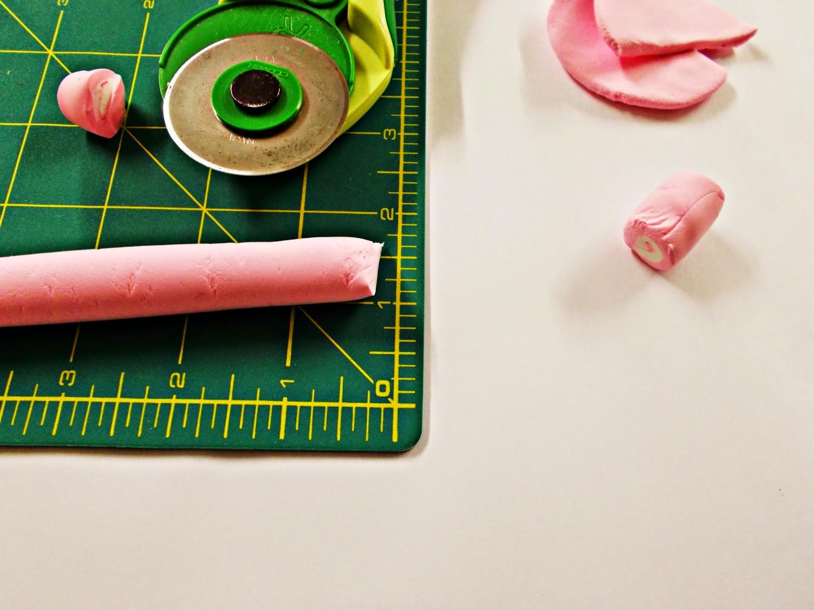 BISUTERÍA-diy-llavero-colgante-pulsera-anillo-nube-esponjita-golosina-chuchería-marshmallow-jumping clay-arcilla ligera polimérica-