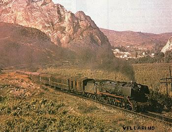 Tren Correo con locomotora de vapor Renfe.