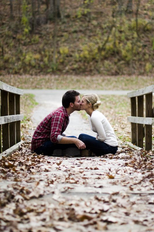 Alive and livin 39 fall engagement picture ideas for Ideas for sexy photos