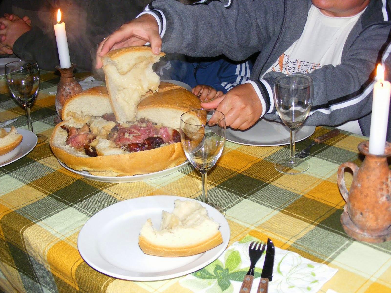 Egy kenyér öt - hat embernek elegendő