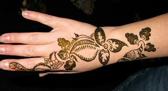 Mehndi Henna Designs : Mehndi style: simple henna designs.