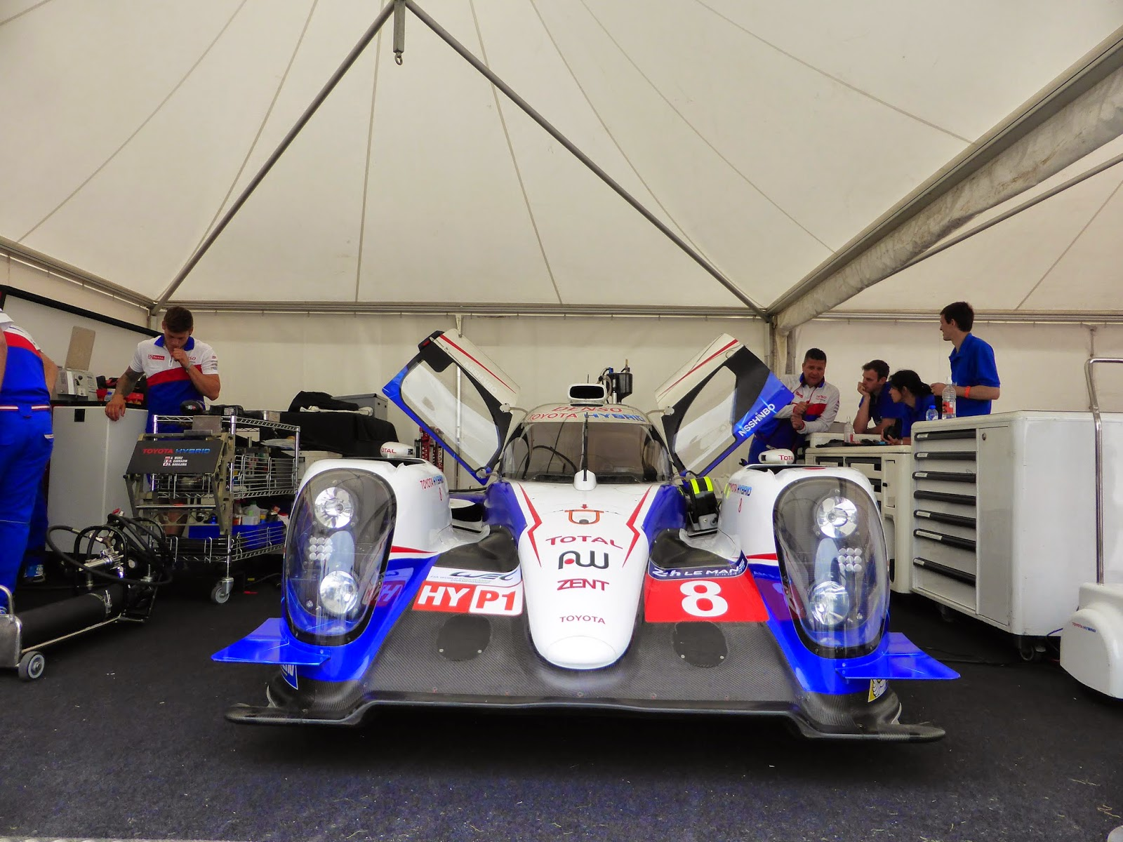 Toyota TS040 Hybrid no.8, as driven by Anthony Davidson