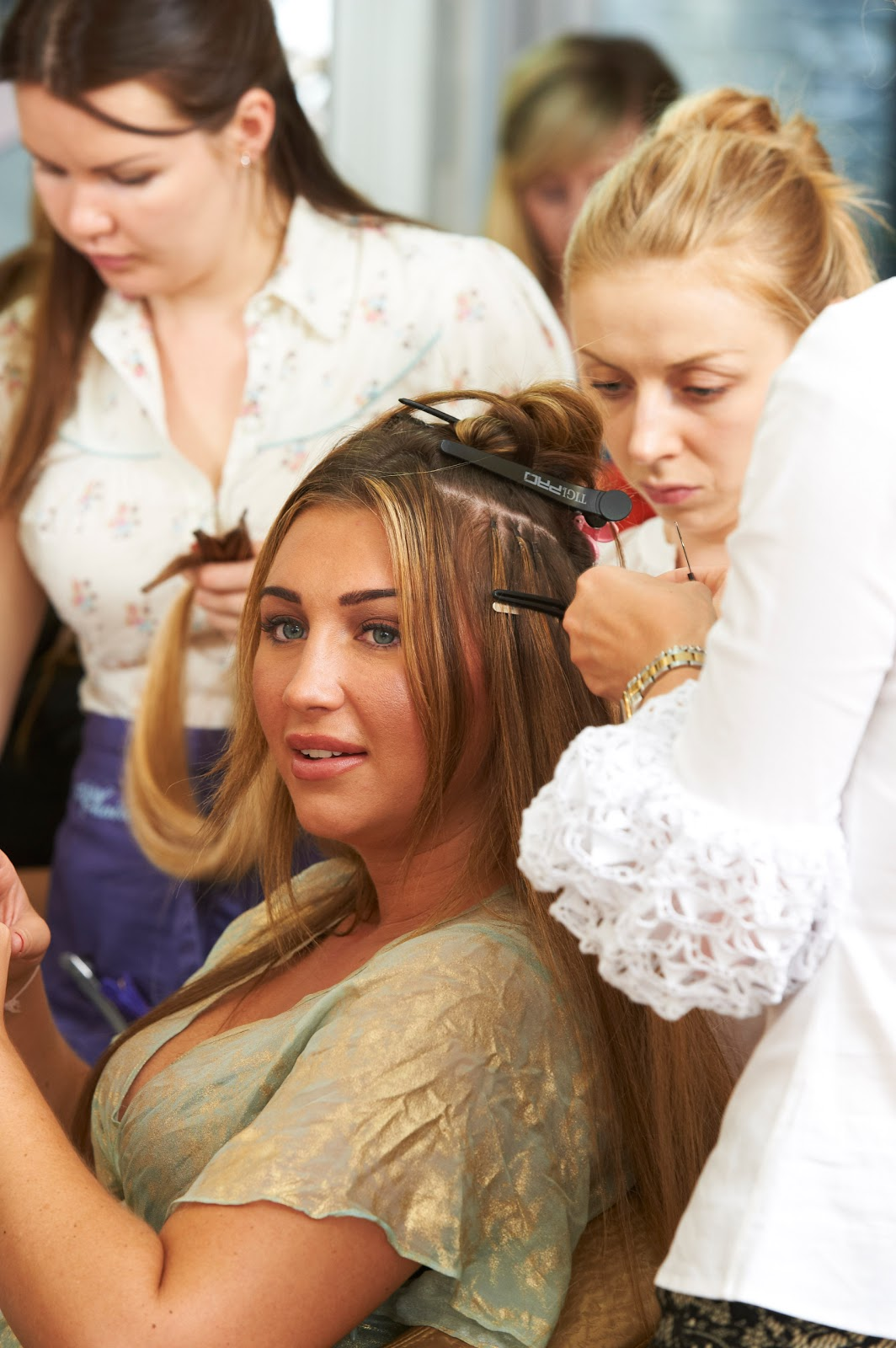 Lauren Goodger Goes For A Dip Dye At Tatiana Hair Extensions Towie