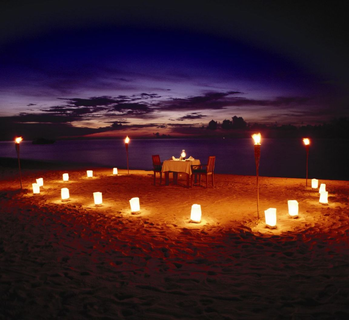 10 beautiful romantic dinner wallpapers tapandaola111 Best candles for romantic night