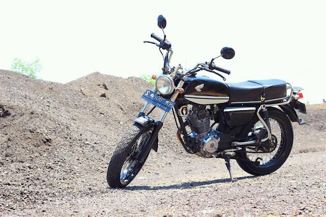 Foto Modifikasi Honda CB Hitam Keren