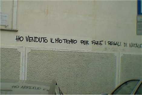 Muro pulito popolo muto - Frasi scritte sui muri di casa ...