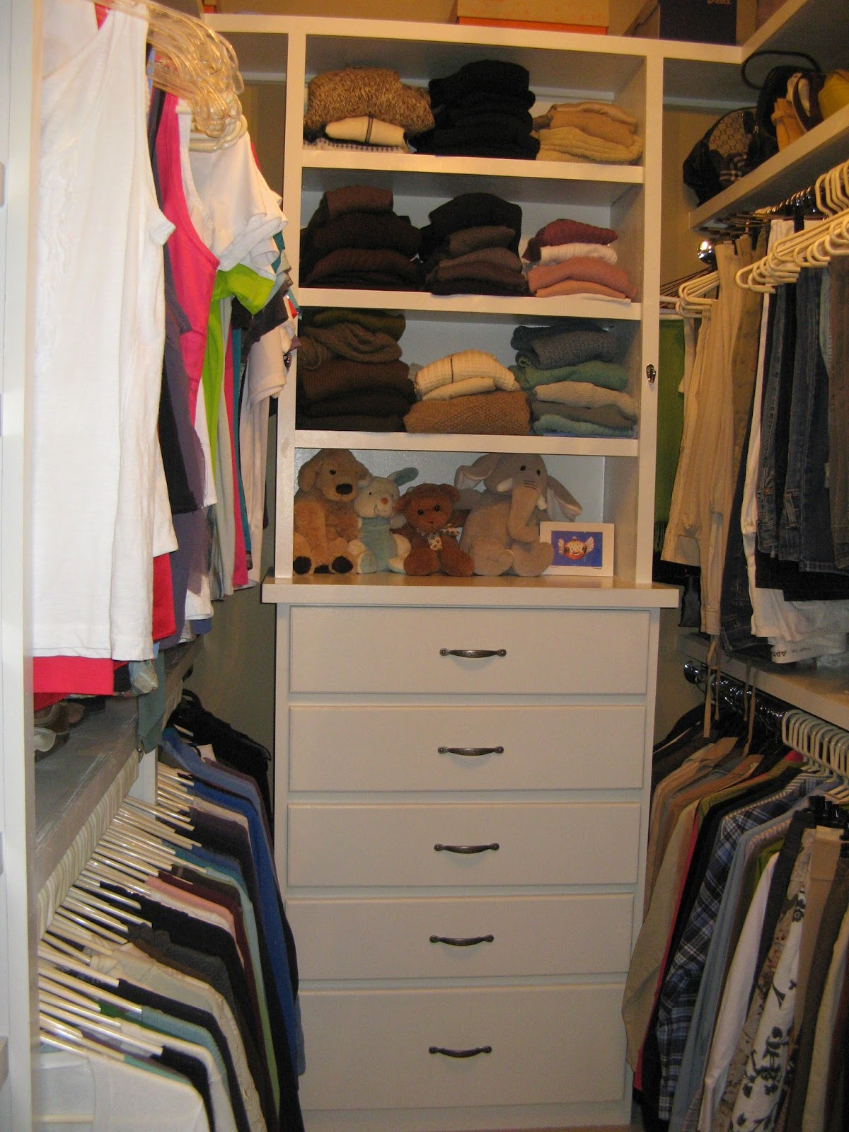 14 Closet Organizing Tips - DRAWERS