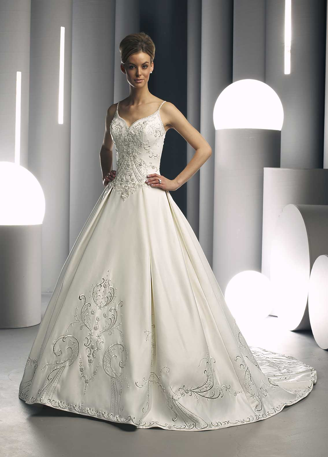 Gorgeous wedding dresses behind the mute button