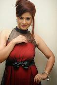 Shilpa Chakravarthy Glamorous Photos-thumbnail-18