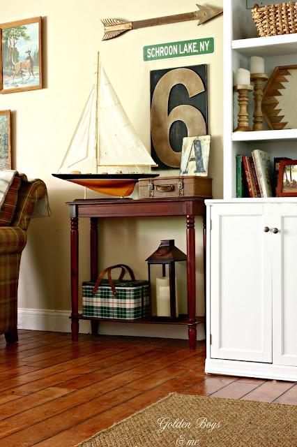 cabin style family room decor-www.goldenboysandme.com