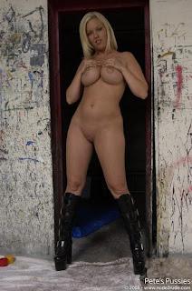 Naked brunnette - rs-DSC_5595-716558.jpg