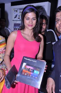 shraddha das actress pics