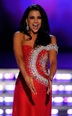laura kaeppeler Miss America 2012 winner Photo singing Talen Showt
