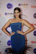 Sonam Kapoor latest sizzling pics-thumbnail-3