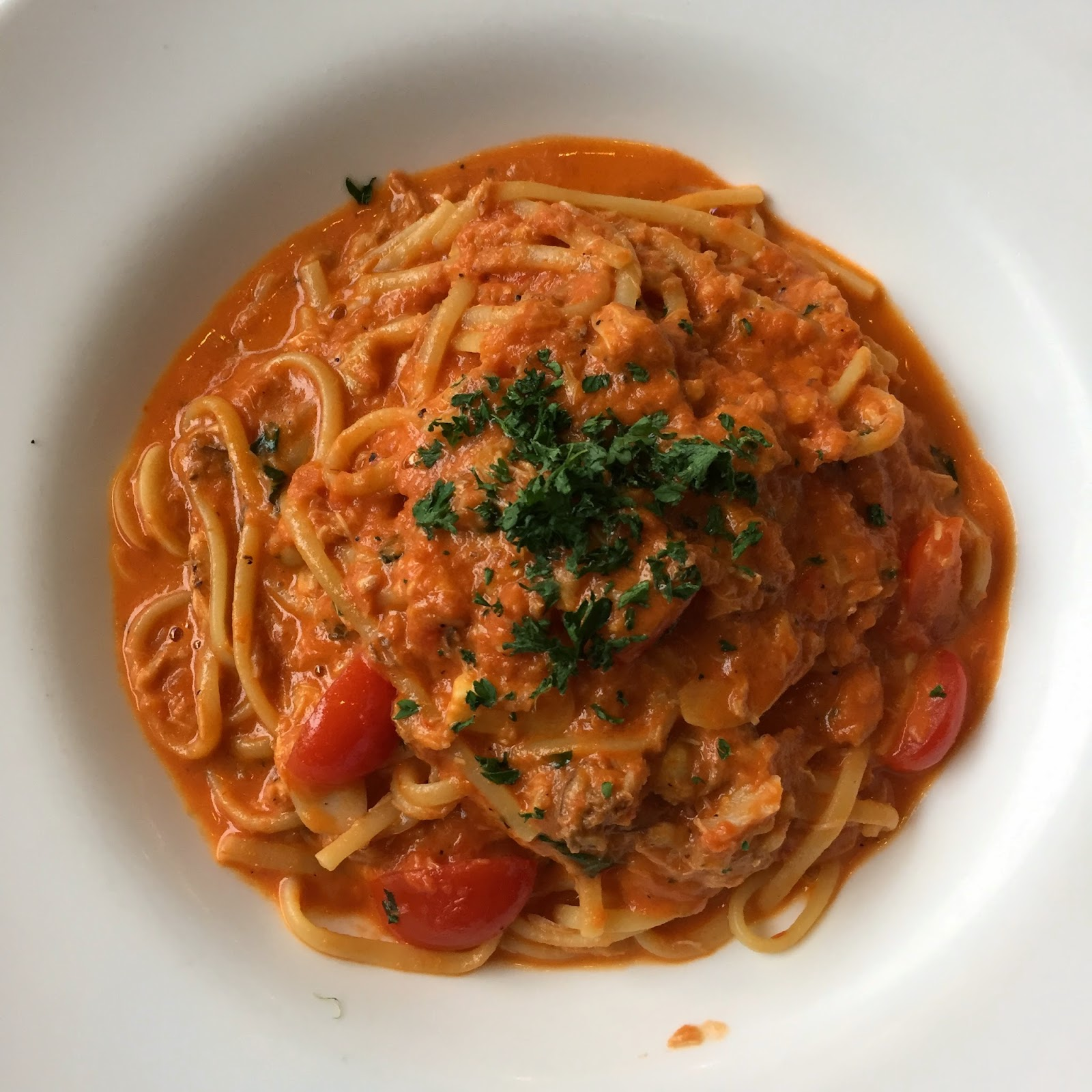 cherpopiah Linguine Pasta served with Crab Meat in Tomato Cream sauce and Basil la nonna