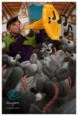 Amazing 3D Balloon Art Seen On www.coolpicturegallery.us
