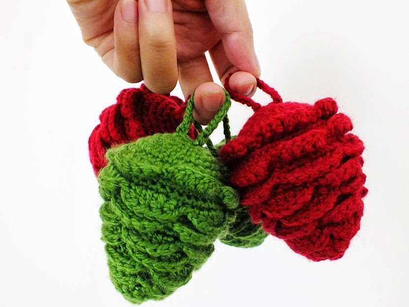 Pine Cone Knitting Pattern : :: Ahmaymet Amigurumi ::: Colorful pine cone ornament for Christmas Decoration