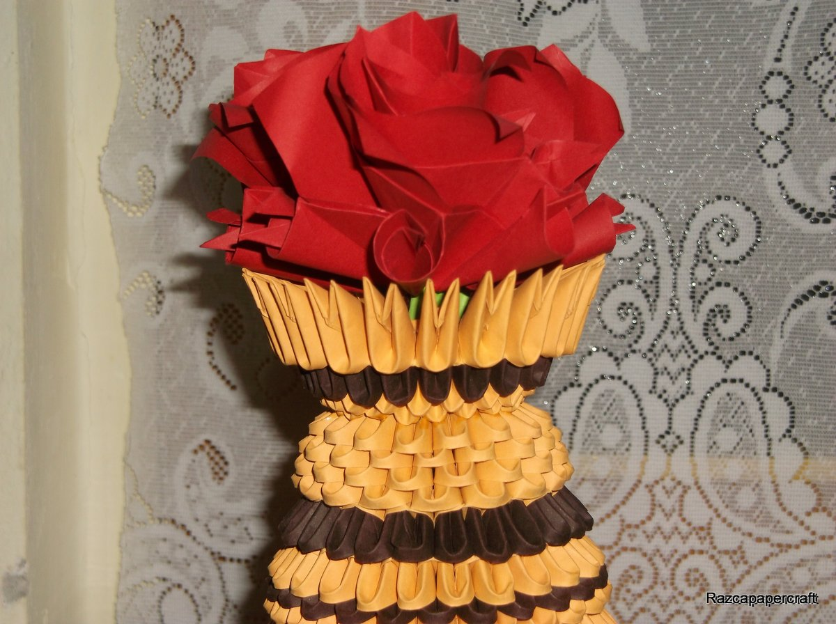 The Roses Are Made From 5 Square Piece Of Paper With Dimension 9 10 Cm Here Is Tutorial For Origami Rose How To Make 3d