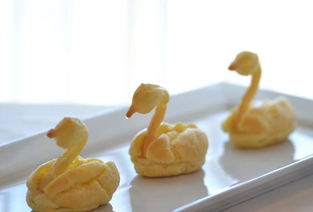 Vanilla Pate a Choux Swans