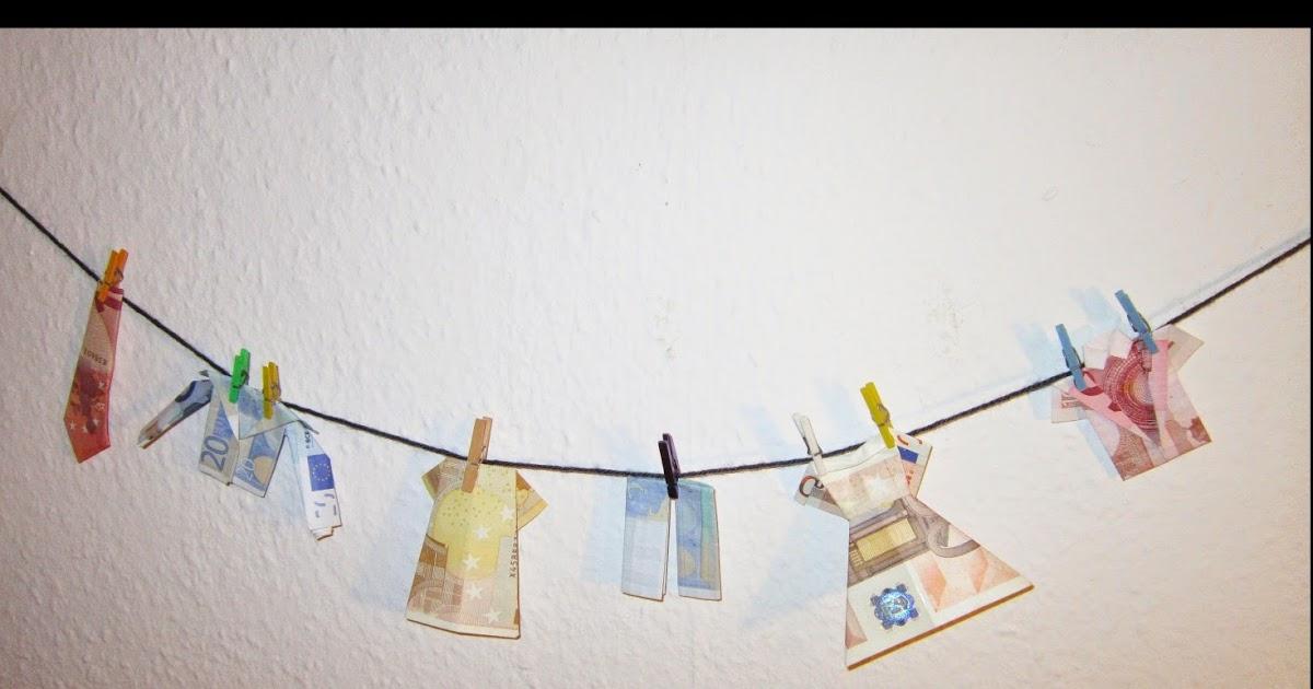 ... . . .: Geldwäsche – Kleidung falten aus Geldscheinen als Geschenk