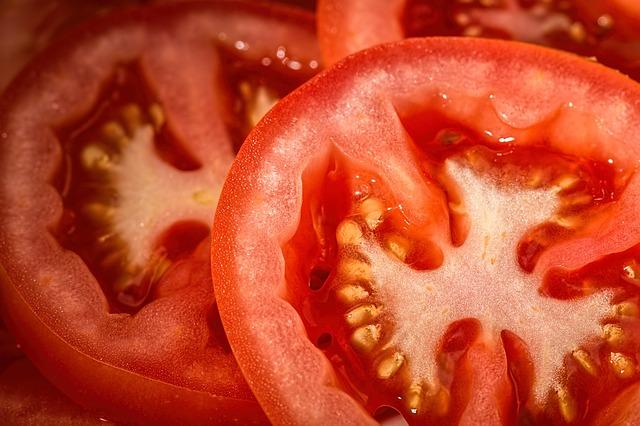 Menghilangkan Jerawat Dengan Tomat