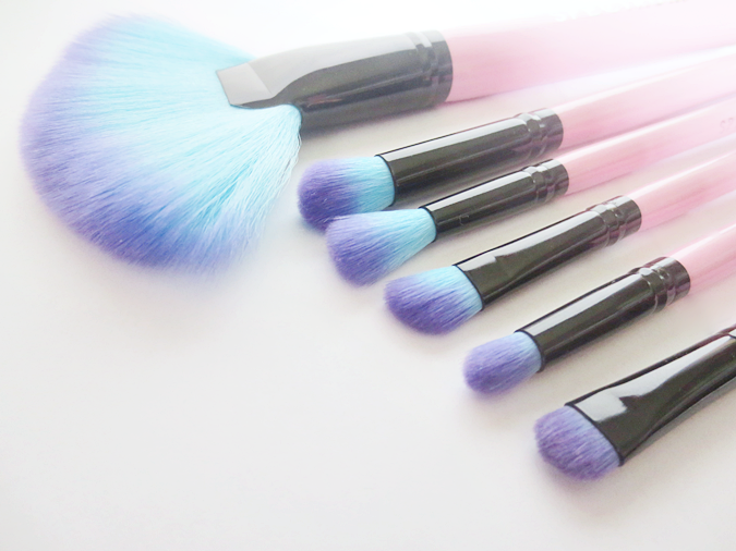 Spectrum Collections makeup brushes fan eye