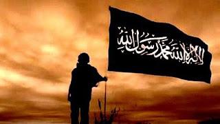 Khilafah Membawa Keadilan - Sesungguhnya Khilafah itu datang membawa keadilan, yaitu keadilan yang akan menghidupkan bumi setelah matinya. Sedang kebaikan yang dimilikinya akan menumbuhkan tanaman dan mengalirkan banyak susu segar.  Kebaikannya akan mengubah wajah bumi yang sebelumnya gersang, melahirkan para tokoh, mencetak para pemimpin, mengibarkan bendera al-'uqāb di atas semua anak bukit, dan menggerakkan tentara ke timur sehingga mereka kembali ke pangkuan ibunya, ke Damaskus, Baghdad atau Istanbul, bahkan ke Al-Quds pusat negara Khilafah; juga bergerak ke barat dengan memakai baju besi kemuliaan dan kedaulatan, yang akan membuka pintu Eropa agar Thariq bin Ziyad kedua memasuki pintunya di barat, dan Muhammad al-Fatih kedua akan membuka jalan dari pintunya yang di timur.