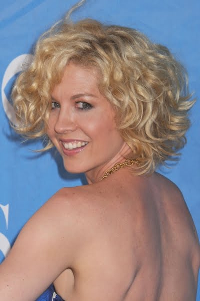 Short Hairstyles, Long Hairstyle 2011, Hairstyle 2011, New Long Hairstyle 2011, Celebrity Long Hairstyles 2212