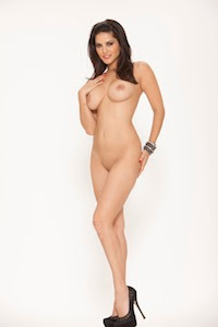 totally naked sunny leone