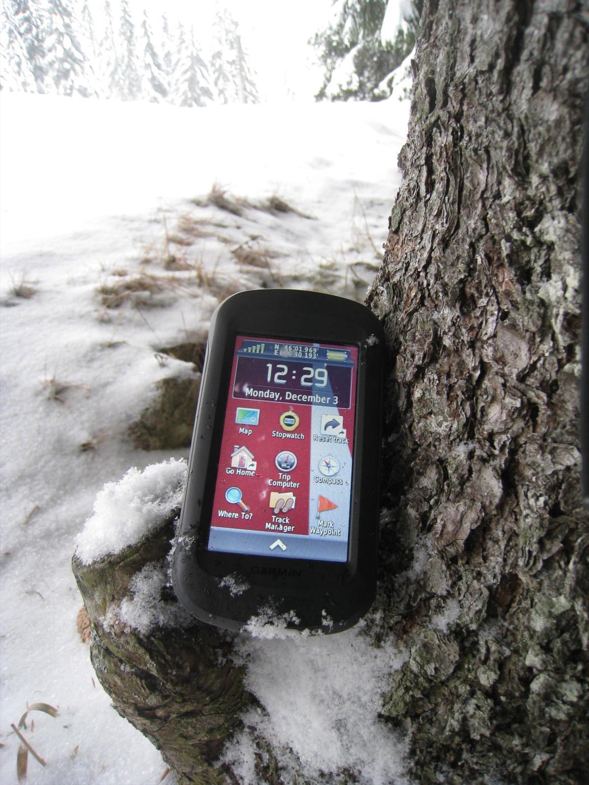 Le garmin Montana fait partie de la catégorie des GPS pour rando mais Garmin a voulu en faire un appareil bien plus plet