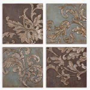 Relief pintu rumah bisa dengan membuat ornament dibagian sisinya