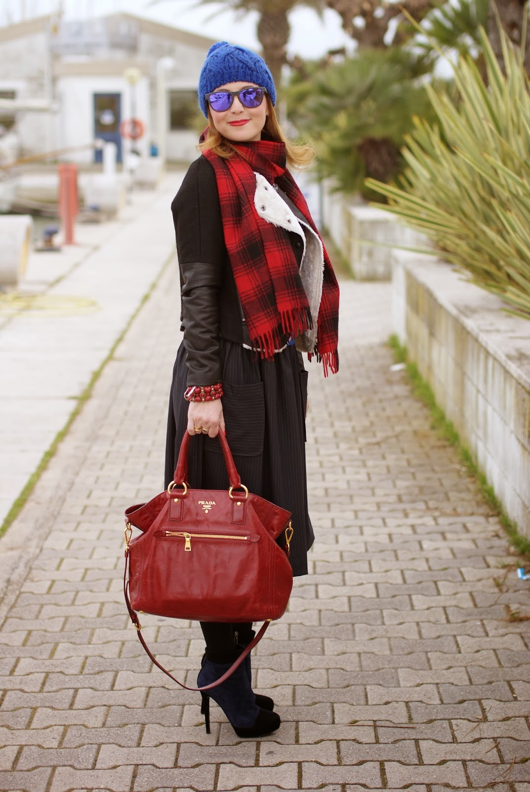 cobalt blue beanie, bicolor ankle boots, red Prada tote, Asos midi skirt, Fashion and Cookies, fashion blogger