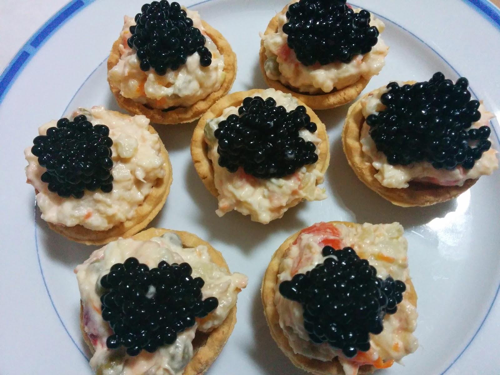 Lalocura de kocinar canap s de ensaladilla rusa for Canape de caviar