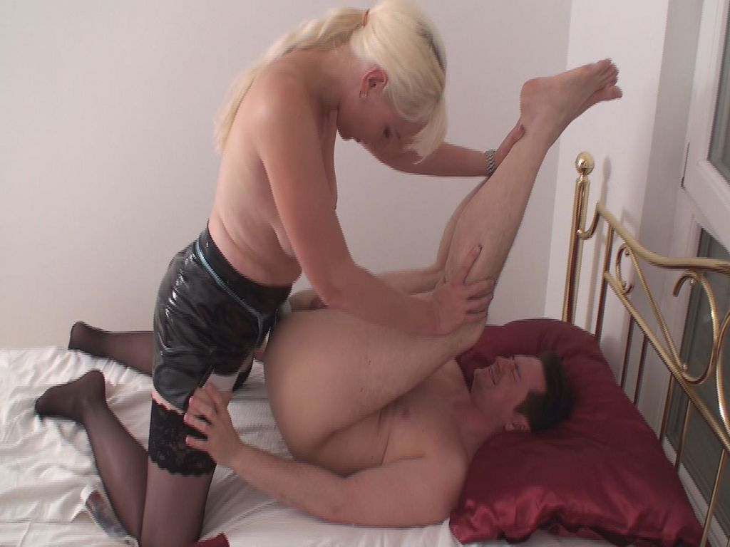 blank rasiert swingerclub worms