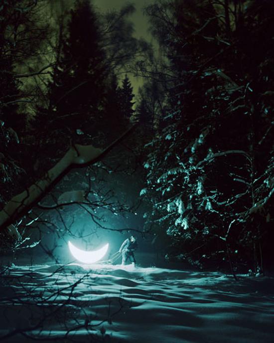 قصة رومانسية بين رجل وقمر