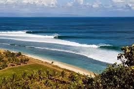 4 Pantai di Lombok yang Cocok untuk Surfing