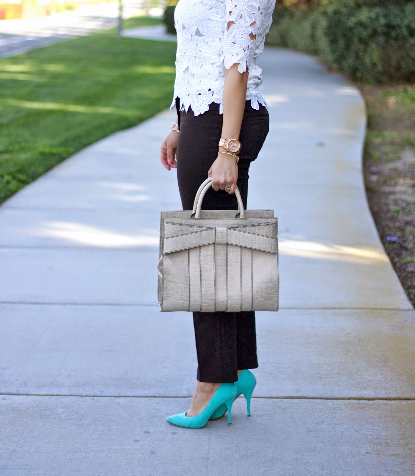 Zac posen handbag, #fabfound purse, mint heels, how to wear mint pumps, what to wear with mint pumps